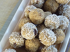 "Healthy Power Bars ""Ojas Balls"""